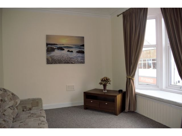 lounge 1 property image.5