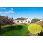 Ront of 33 scroggie (Property Image)